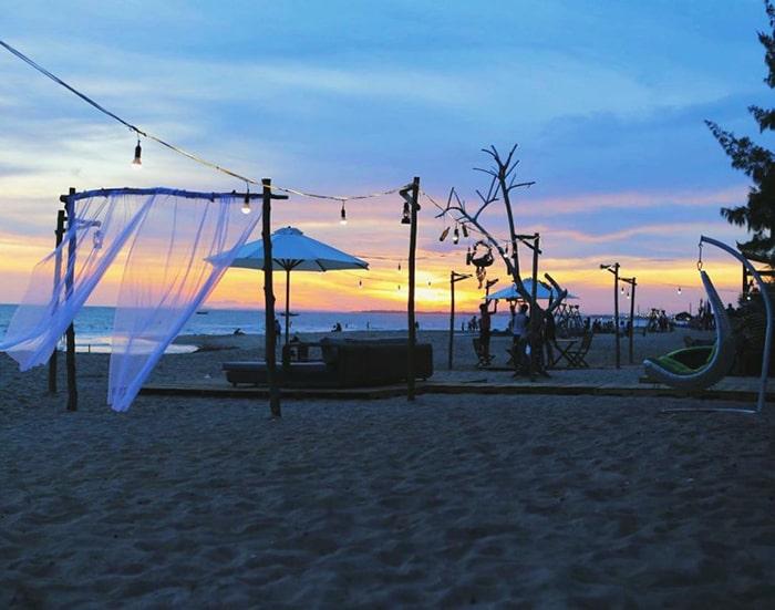Hoàng hôn trên Cam Bình Resort