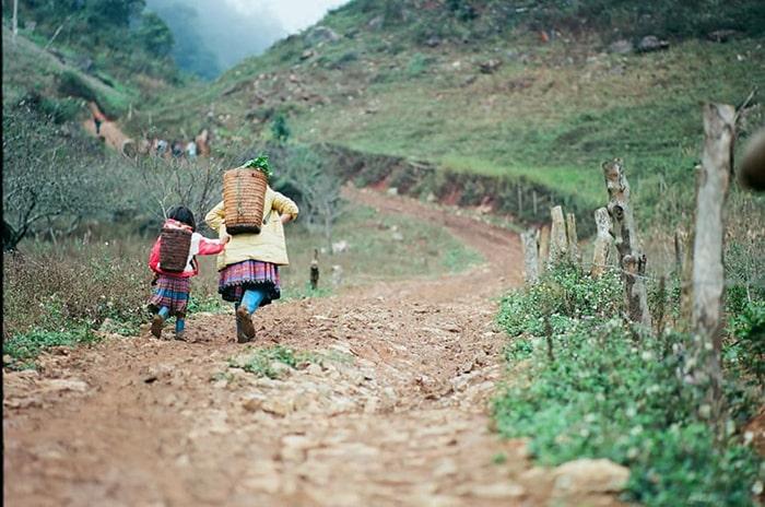 Con đường ở bản Pa Phách