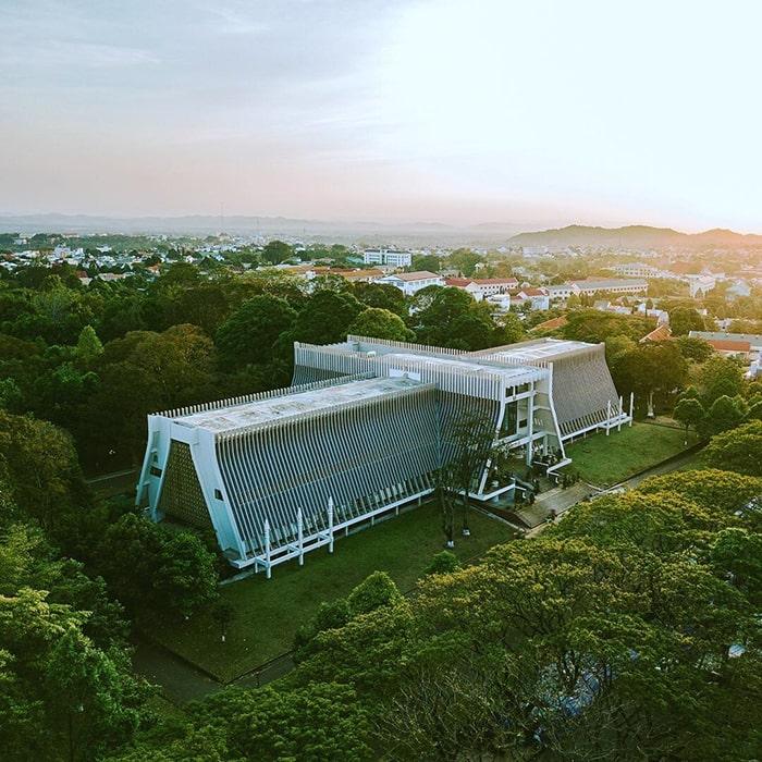 Toàn cảnh bảo tàng Đắk Lắk nhìn từ trên cao