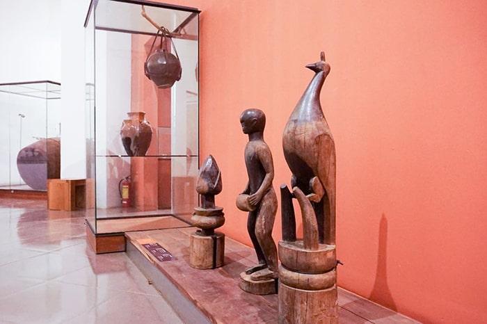 Hiện vật bên trong bảo tàng Đắc Lắk