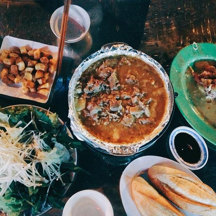 Bò nhúng me là món ăn nổi tiếng ở Buôn Mê Thuột