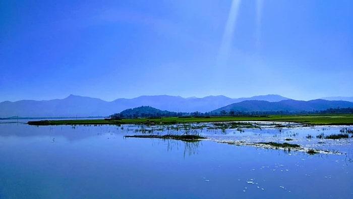 Hồ Lắk một ngày đẹp trời