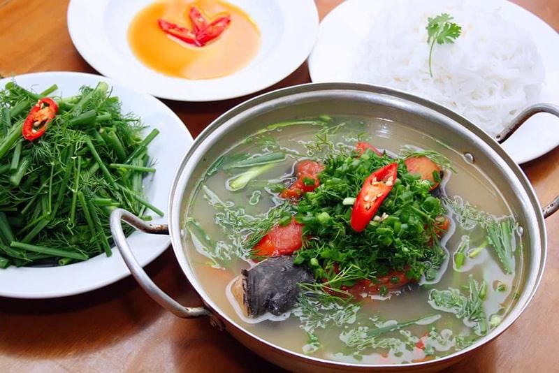 Canh chua cá lăng hay lẩu cá lăng Buôn Mê Thuột