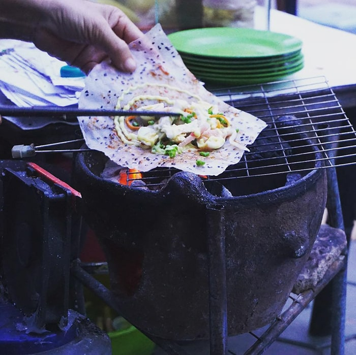 Bánh tráng nướng mắm ruốc Bình Thuận