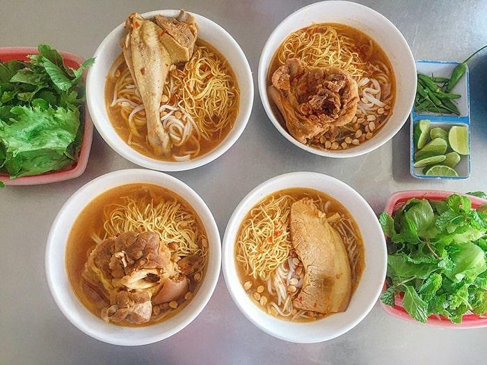 Đặc sản mì Quảng vịt Phan Thiết