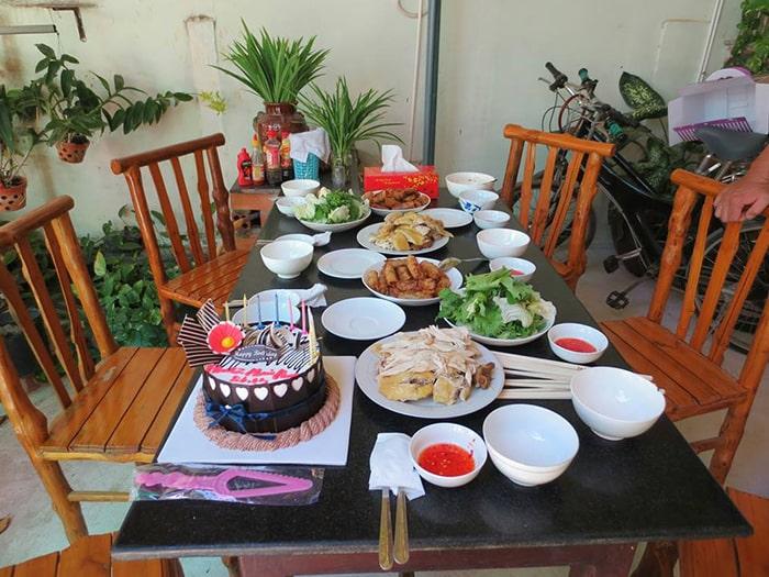 Không gian tiệc sinh nhật ở Mũi Né homestay