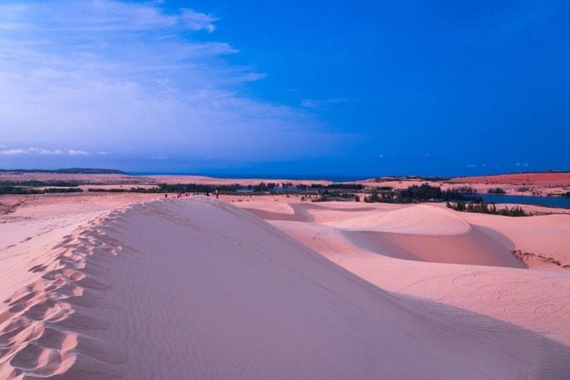 Đồi cát hồng Bình Thuận ở đâu?