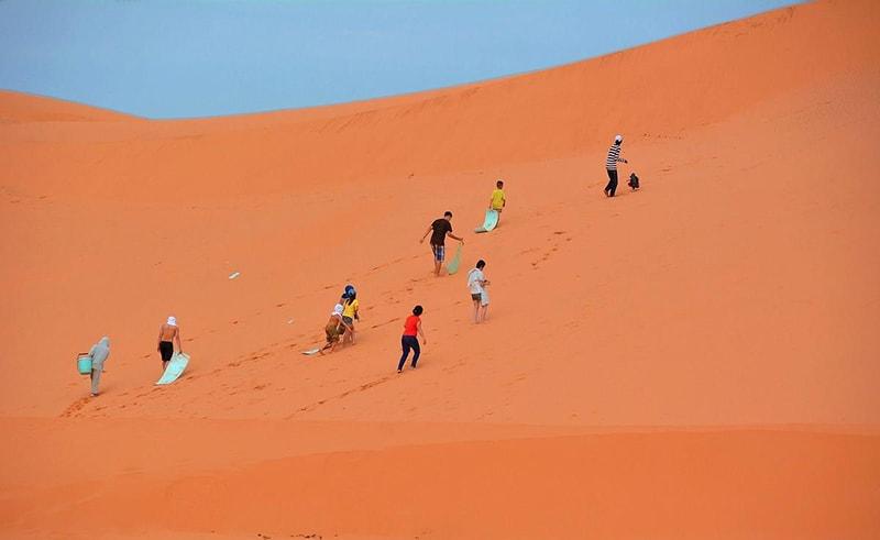 Màu sắc của cát ở đây sẽ khiến bạn trầm trồ