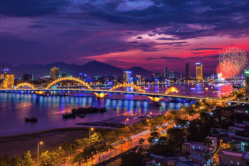 Toàn cảnh đêm thành phố Đà Nẵng - Một trong số những thành phố đáng sống tại Việt Nam
