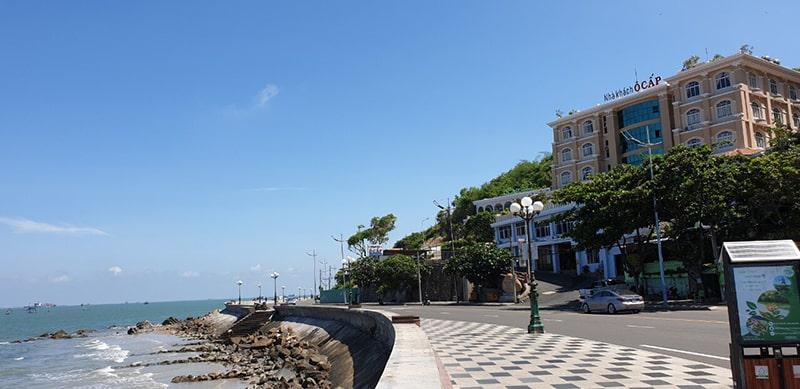 Đường Hạ Long ôm chân núi Nhỏ – con đường biển đẹp nhất Vũng Tàu